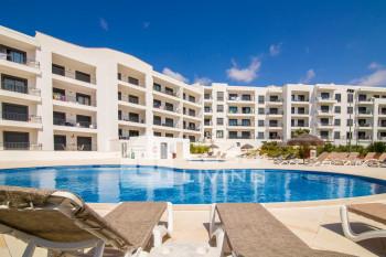 Vista das Ondas - Top Floor 2 Bed Apartment  with Pool View