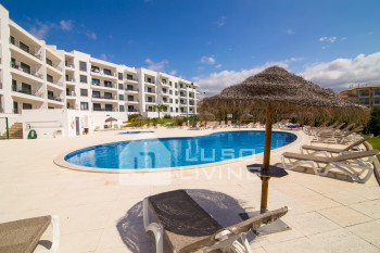Vista das Ondas - Moden Second Floor 2 Bed Apartment with Pool View