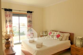 Vista das Ondas - Second Floor 2 Bed Apartment with Pool View
