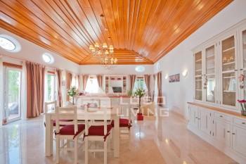 Villa Milho -New Luxury 5  Bedroom Villa